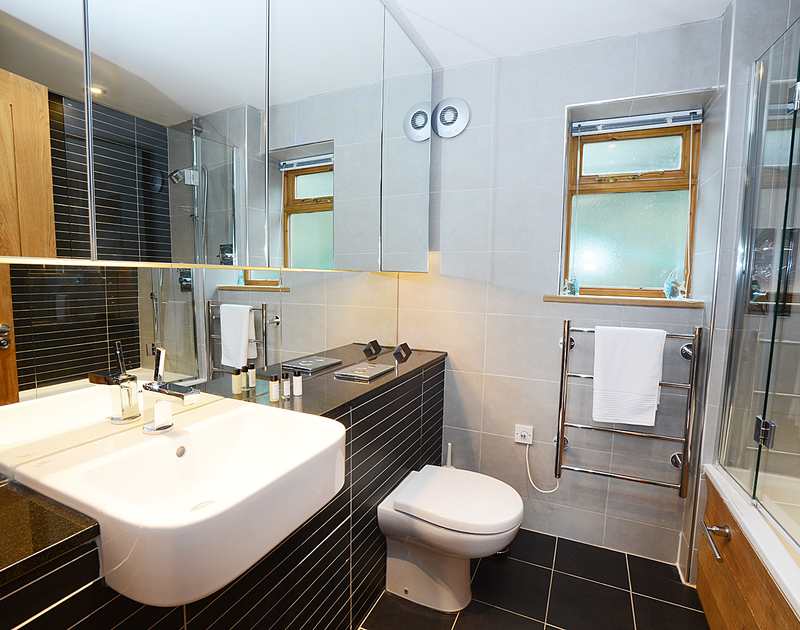 The contemporary family bathroom at 7, Sandy Hills, a modern, comfortable holiday house to rent in popular Rock, north Cornwall.