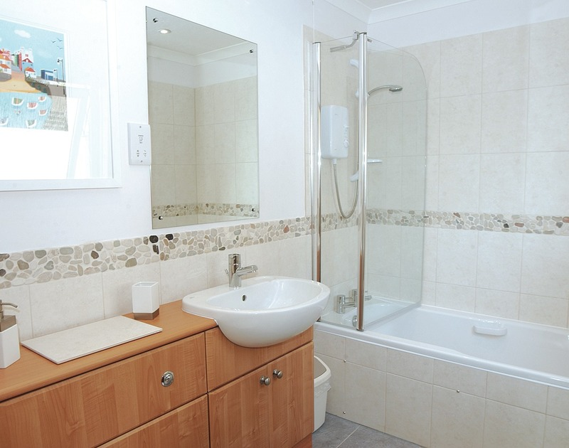 The bathroom at Talland House, a self catering holiday house to rent in Rock, Cornwall.