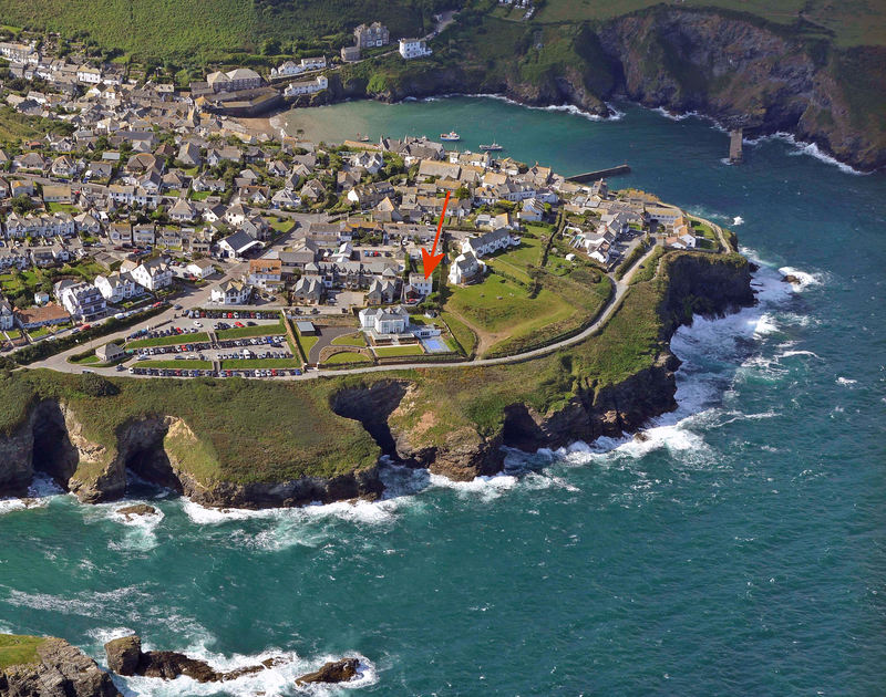 Spectacular aerial shot of self catering, holiday house Signal Post in it's fantastic setting between Port Gaverne and Port Isaac on the North Cornish Coastline.