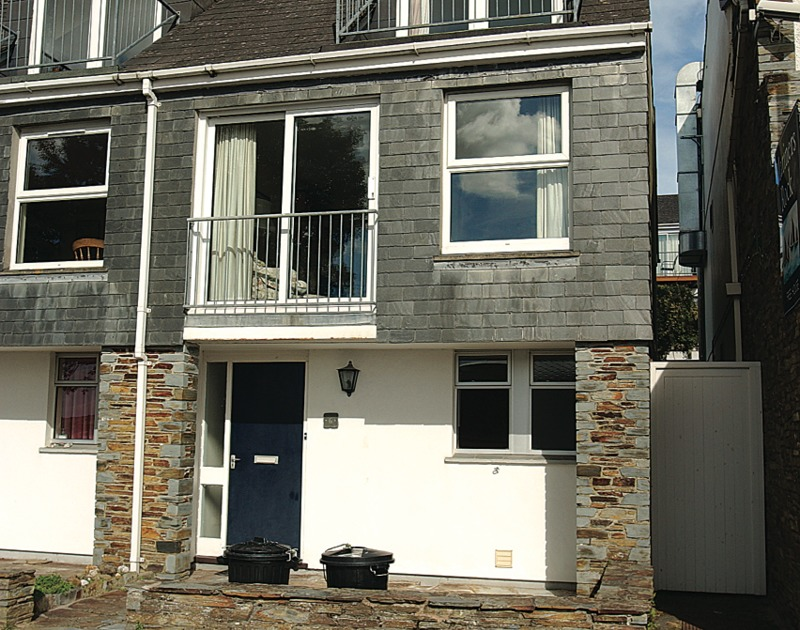 The exterior view of the front of Slipway 6, a 3-storey holiday cottage in Rock, Cornwall