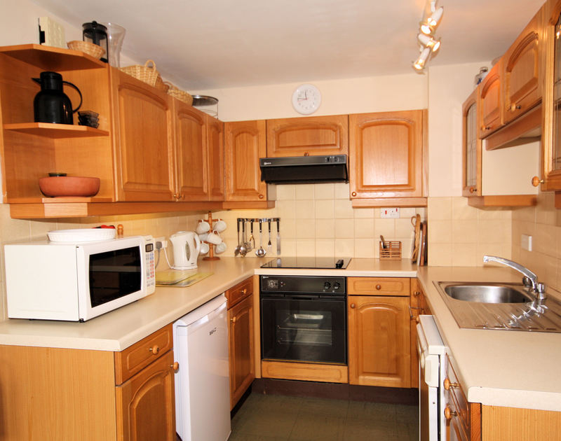 Traditional and efficient kitchen of Slipway 6, a holiday rental in Rock, Cornwall