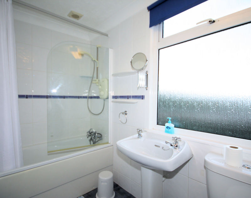 One of two bathrooms in Sunset, a self catering holiday house to rent in Polzeath, Cornwall.