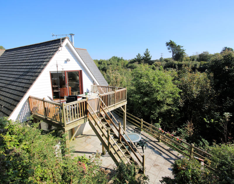 The external view of Talland House, a self catering holiday house to rent in Rock, Cornwall.