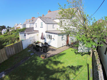 An aerial view of Musters, a holiday rental which will allow pets in Rock, North Cornwall.