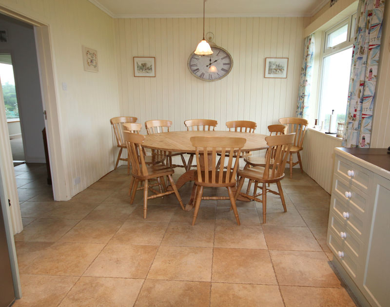 The open-plan kitchen/diner of Penrhyn, a superb holiday house at Daymer Bay, Cornwall