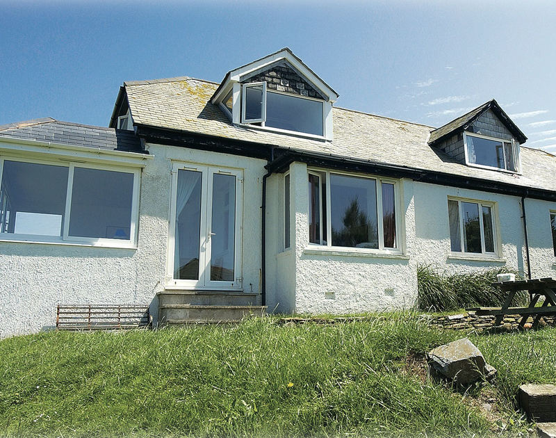 The exterior view of Gullsway: The Annexe, a self-catering first floor holiday apartment in Polzeath, Cornwall