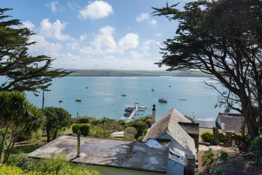 Excellent Properties For Sale In Rock Daymer Bay Polzeath Port Home Interior And Landscaping Palasignezvosmurscom