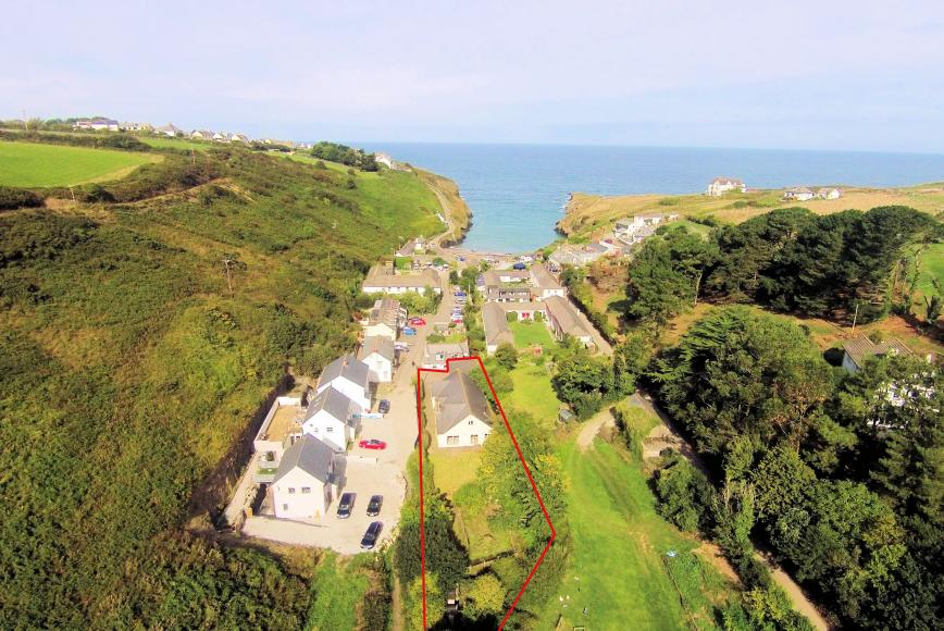 Swell Property For Sale In Port Isaac North Cornwall Home Interior And Landscaping Palasignezvosmurscom