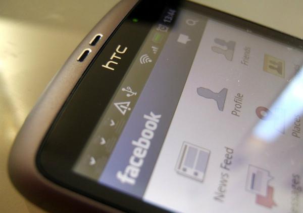 Cмартфон + Facebook