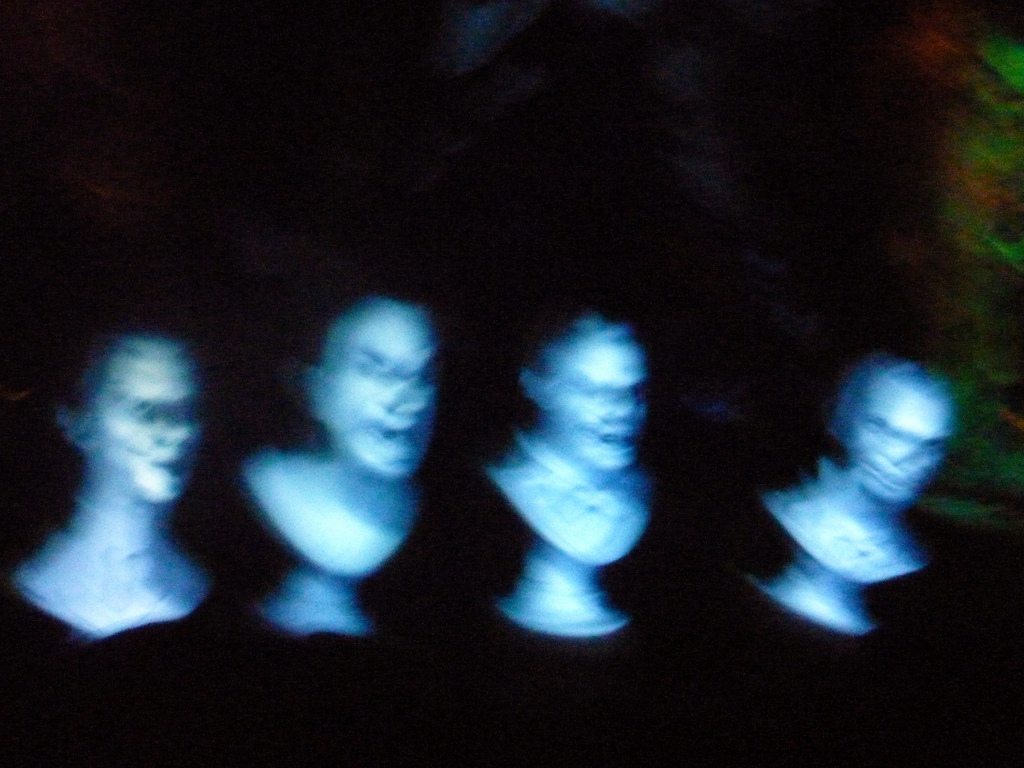 Как устроена индустрия «литературных призраков»?