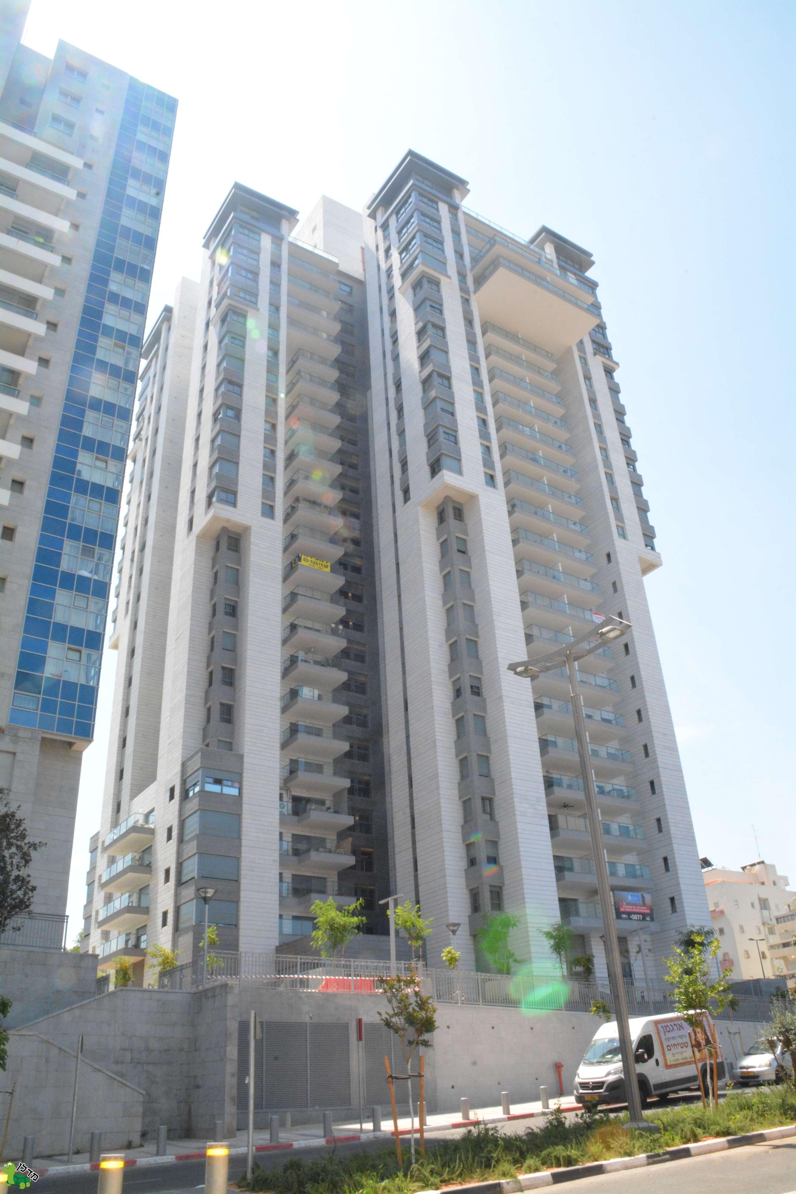 עדכון מעודכן דירות למכירה בסיטי, גבעתיים - 13 דירות באזור VG-61