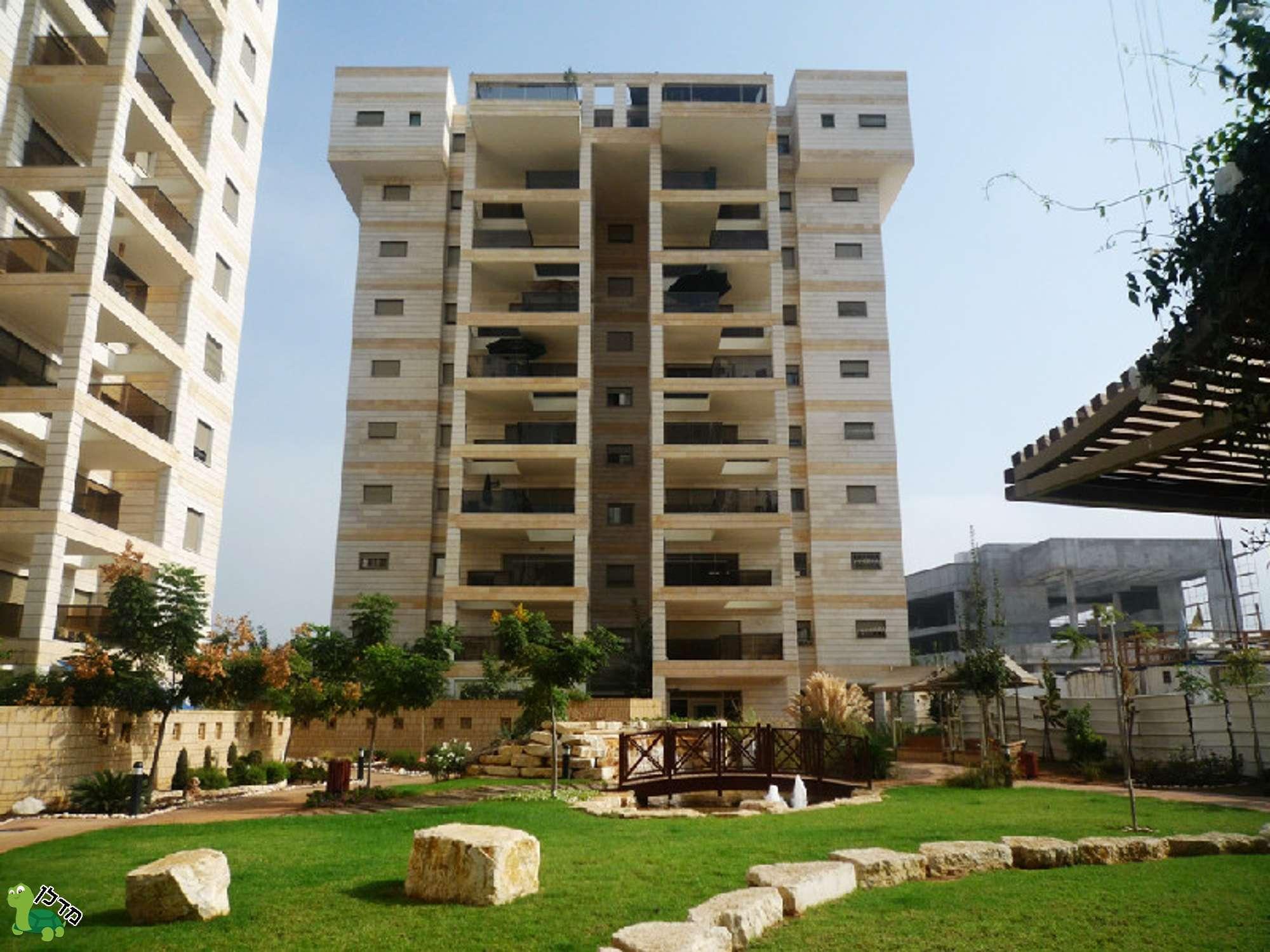 מאוד דירות למכירה באם המושבות החדשה, פתח תקווה - 104 דירות באזור TQ-97