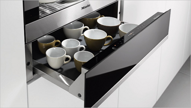 Miele warming drawer with cups inside