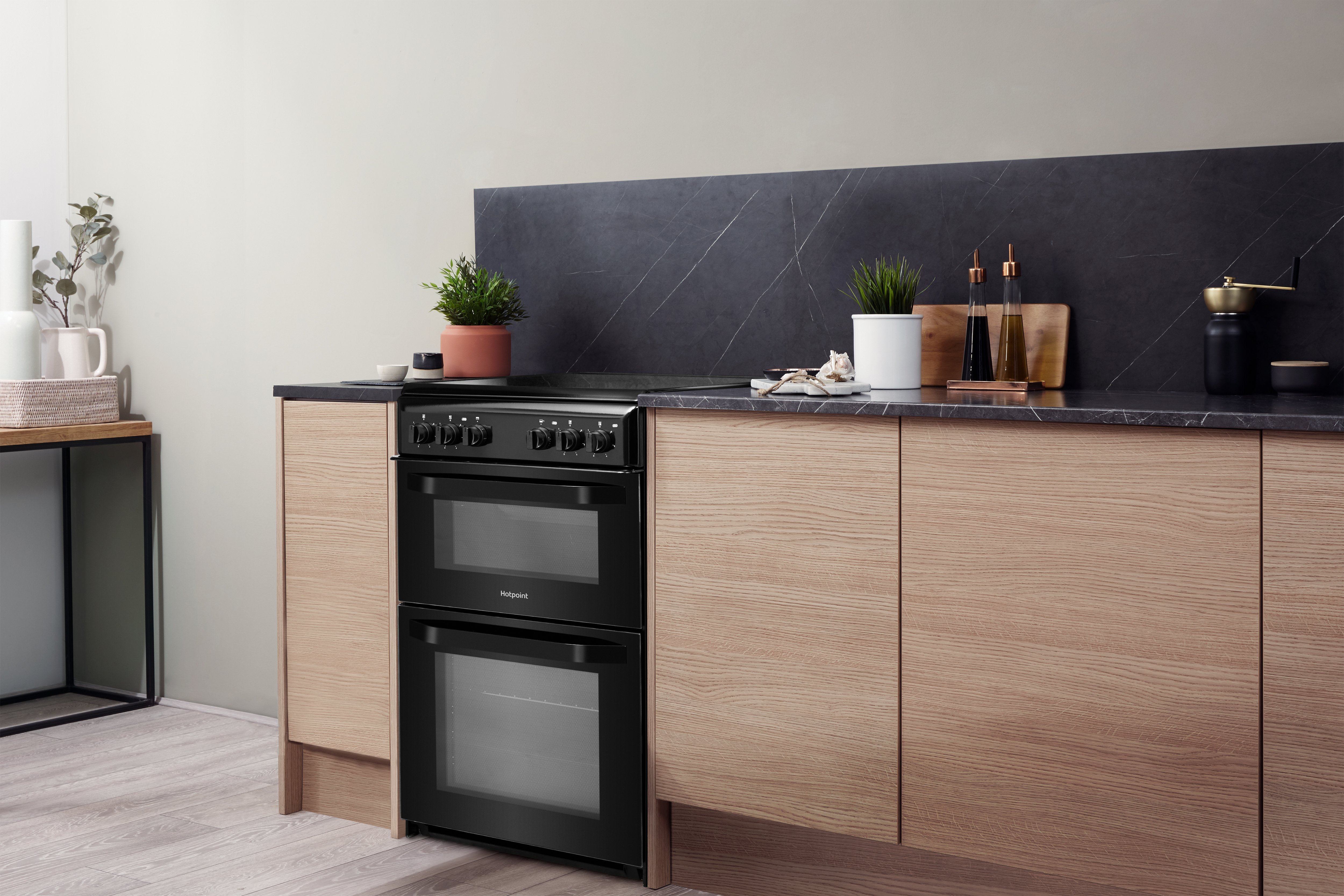 Hotpoint HD5V92KCB/UK Ceramic Electric Cooker Separate Grill