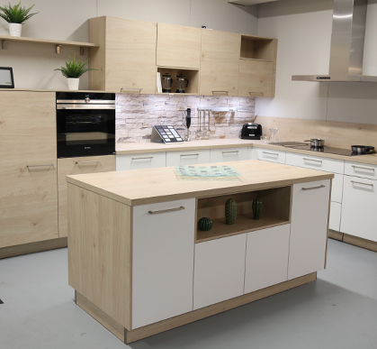 Feel White with Artwood Natural Bough Oak worktop