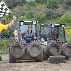 JCB Dumper Racing at Diggerland