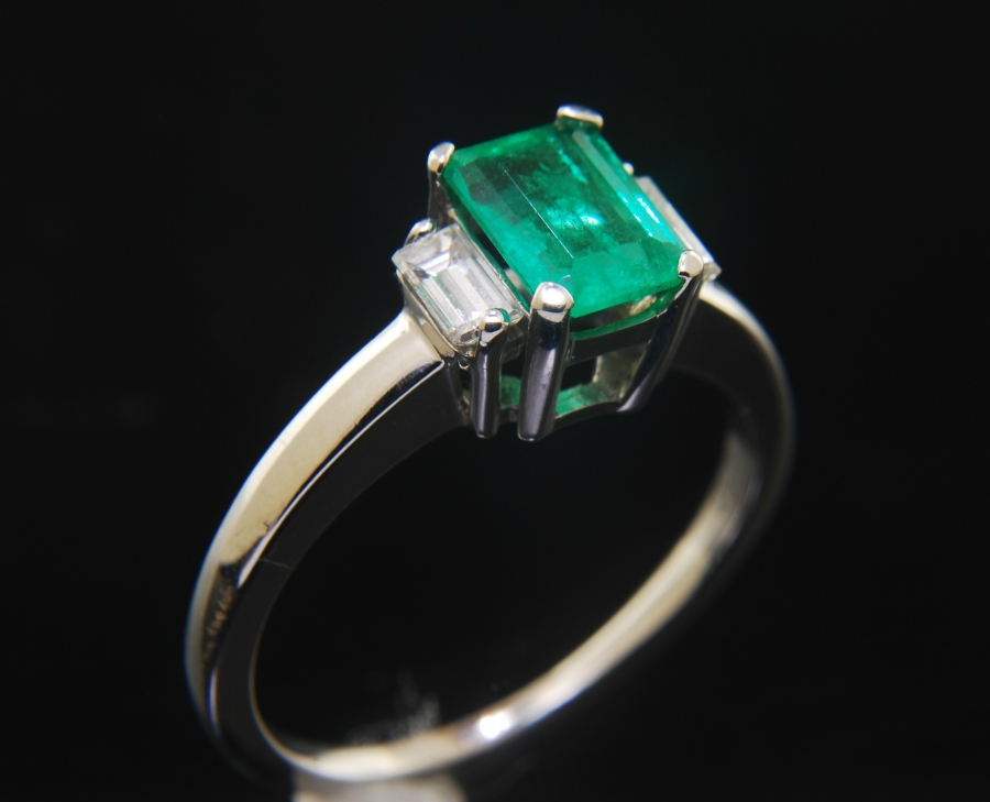 ring diamond emerald solitaire pav jewellery pave square halo engagement