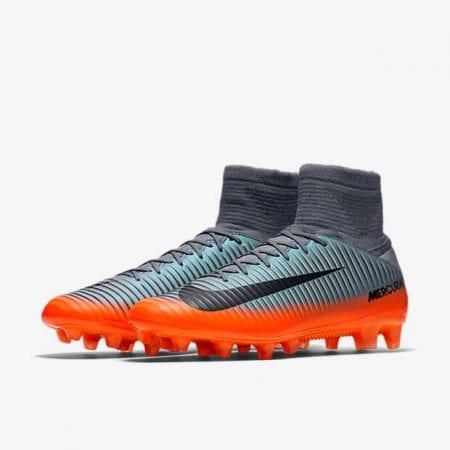 Las botas de fútbol para césped artificial Nike Mercurial Veloce III  Dynamic Fit CR7 AG-PRO están diseñadas para el juego trepidante de hoy en  día y cuentan ... cb282fd114680