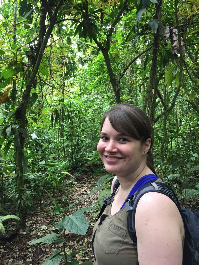 Reisspecialist Anouk hiket nabij de Arenal Vulkaan