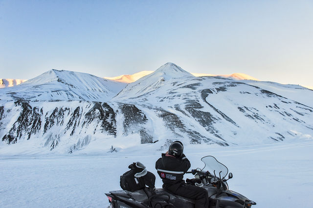 Sneeuwscootersafari op Spitsbergen
