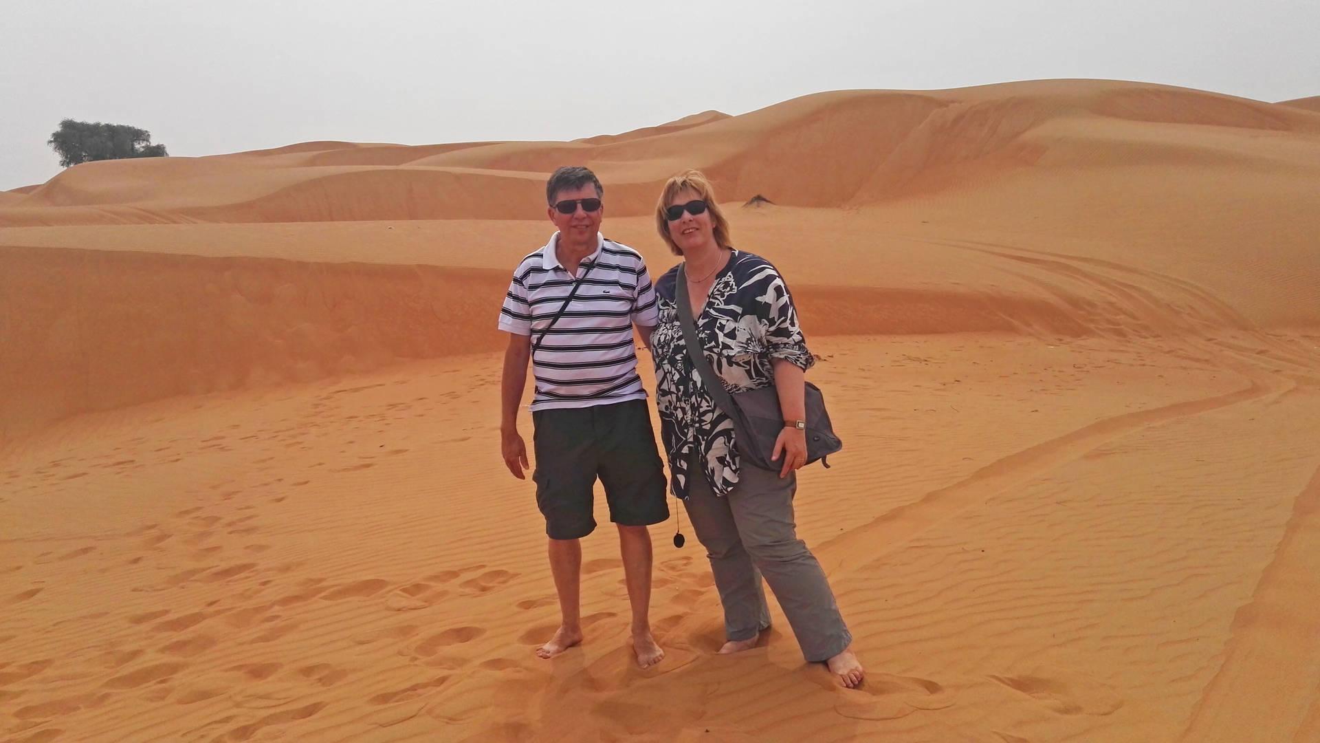 Reizigers Lianne en Michel in Sharqiya Sands