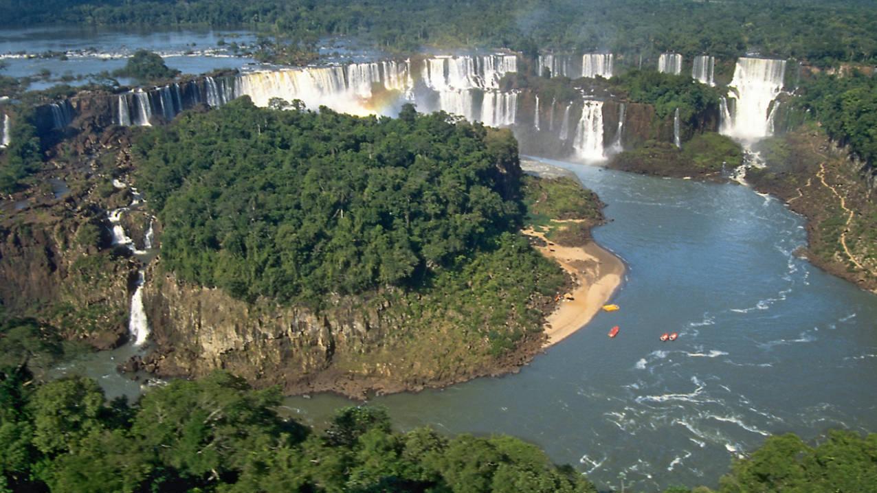 Iguazu watervallen vanuit de helikopter
