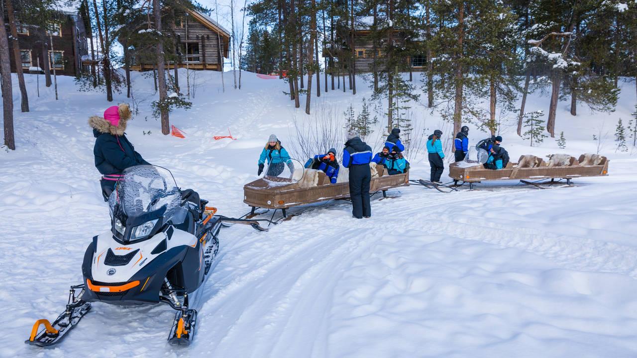 Sneeuwscooter slede, Fins Lapland