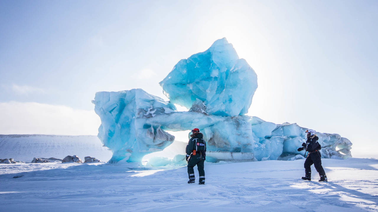Sneeuwscootersafari in het oosten van Spitsbergen
