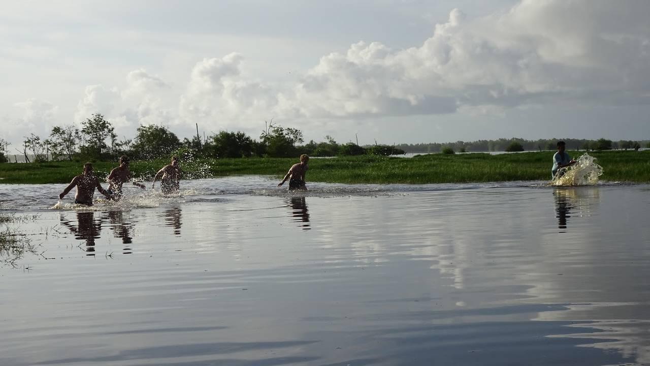 Locals in Bigi Pan