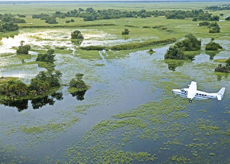 Vliegen boven de Okavango Delta
