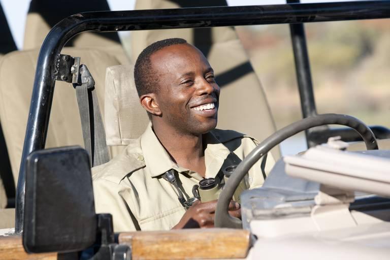 Een gids in de Okavango Delta