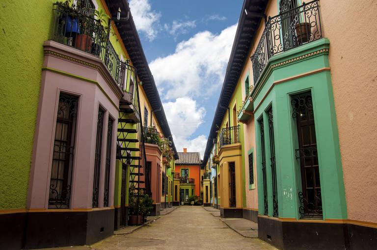 Kleurrijk straatje in Bogotá
