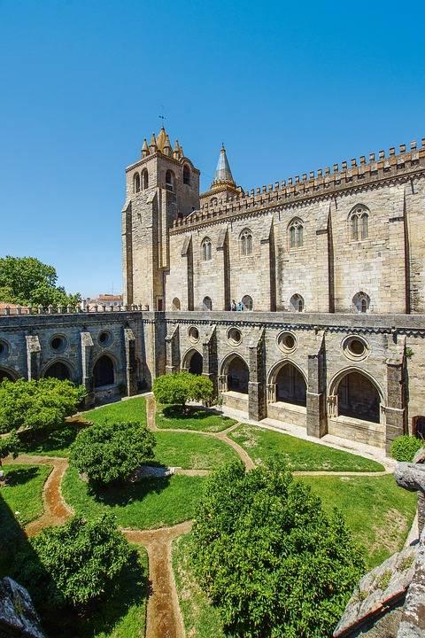 Portugal, Kathedraal van Evora