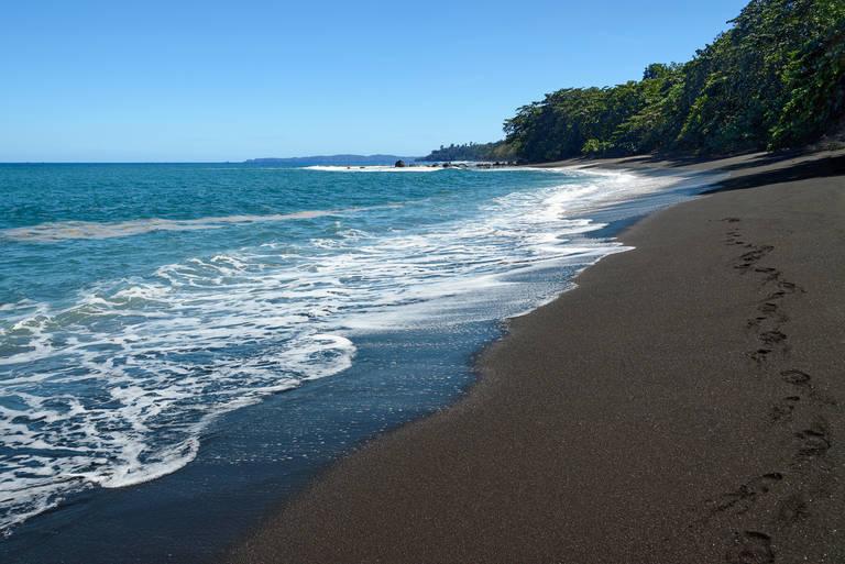 Strand bij Lovina, Bali