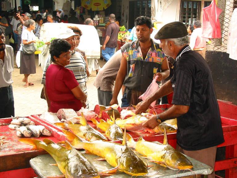 De markt in Paramaribo