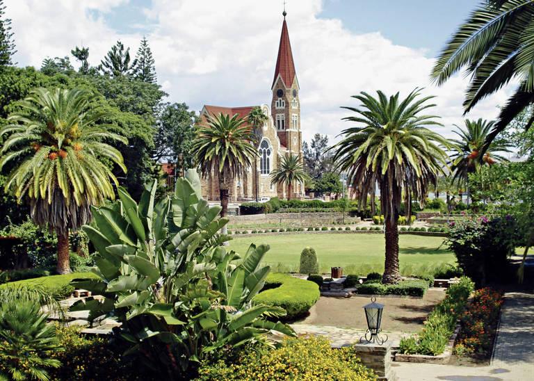 Tuinen en Christ Church in Windhoek