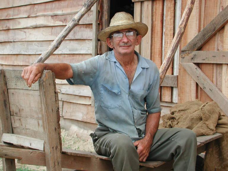 Tabak maker in Vinales