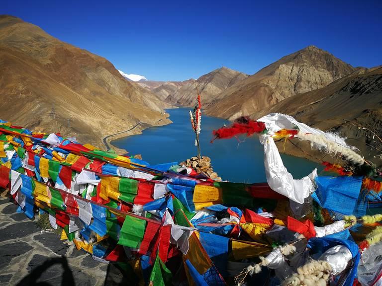 Vlaggen bij Gyantse, Tibet