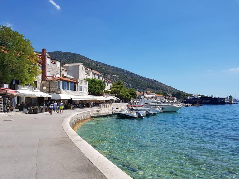 Promenade Brac Island