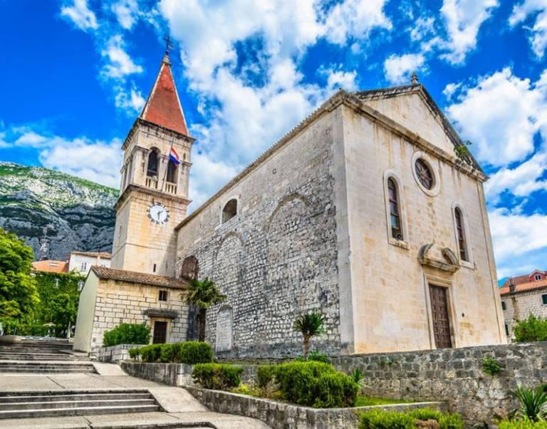 De kathedraal van Makarska