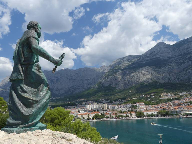 Makarska standbeeld