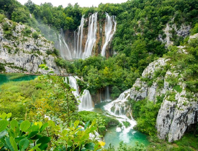 Plitvice National Park merengebied en watervallen van bovenaf