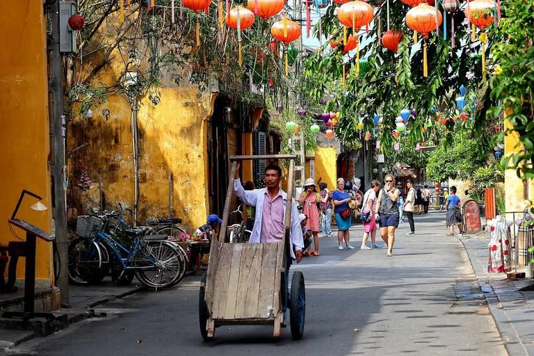 Straatbeeld van Hoi An