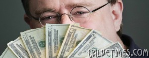 Gabe-Newell-peers-seductively-over-his-fan-of-money-610x240