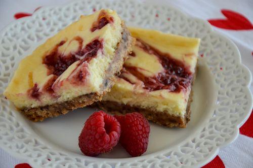 Raspberry Cheesecake Shortbread Bars