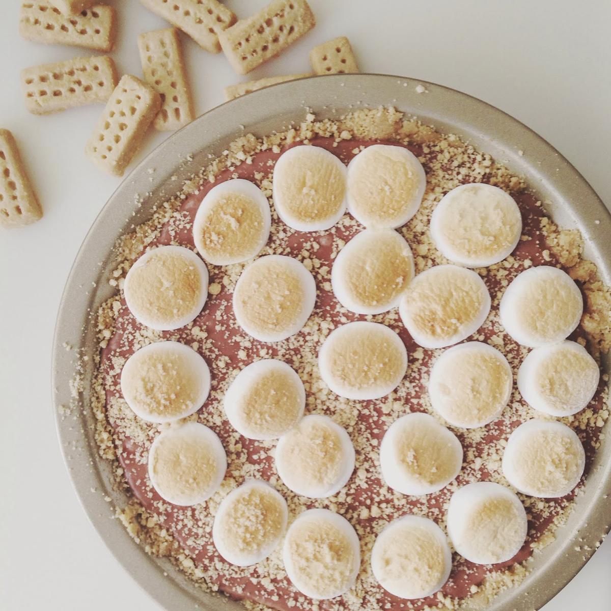 Toasted Marshmallow Nutella Pie