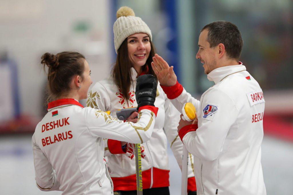 Alina Pavliuchyk, Dmitriy Barkan, Marhartya Dziashuk, blr © WCF / Richard Gray