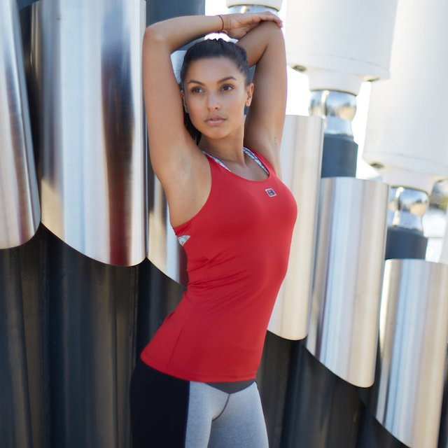 Erin Performance Vest Top Extreme Red Front