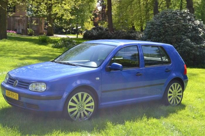 Volkswagen Golf 5drs 161998 Met A8 Velgen En Dikke Audio