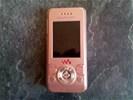Roze Sony Ericsson W580i